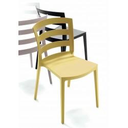 Chaise d'extérieur et d'intérieur en polypropylène