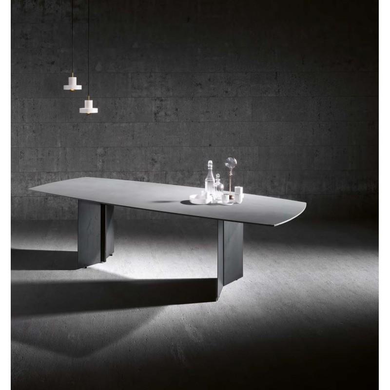 Table de repas en céramique