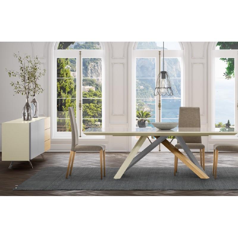 Table design Lena piètement en bois massif