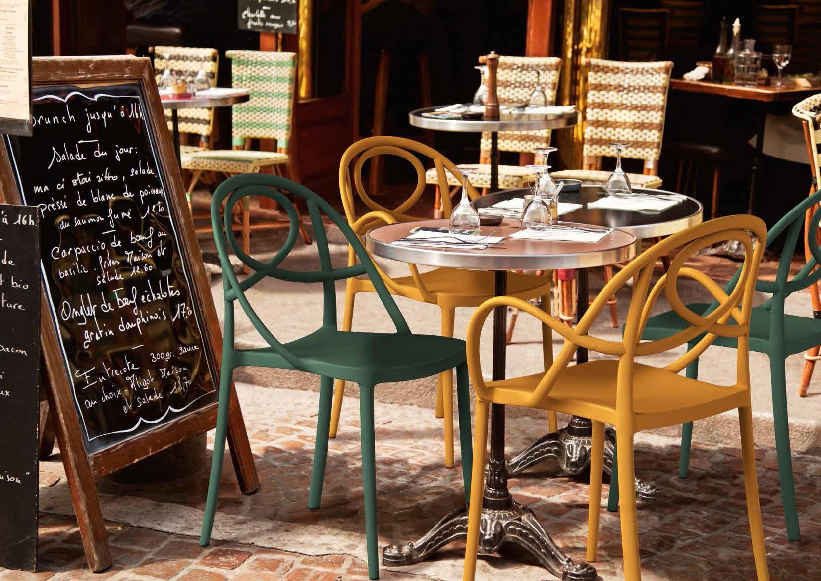 Des chaises pour intérieur et extérieur